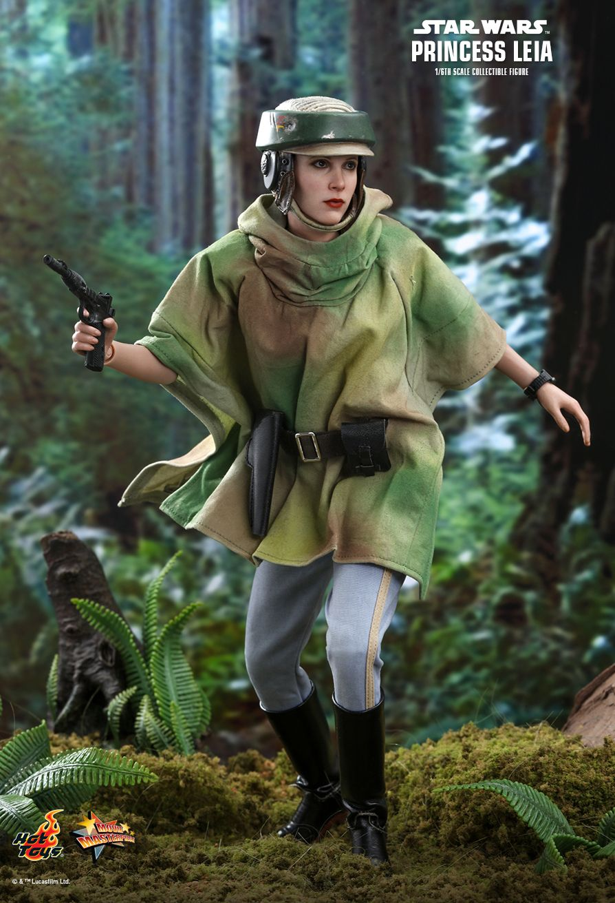 NEW PRODUCT: HOT TOYS: STAR WARS: RETURN OF THE JEDI PRINCESS LEIA 1/6TH SCALE COLLECTIBLE FIGURE 8216
