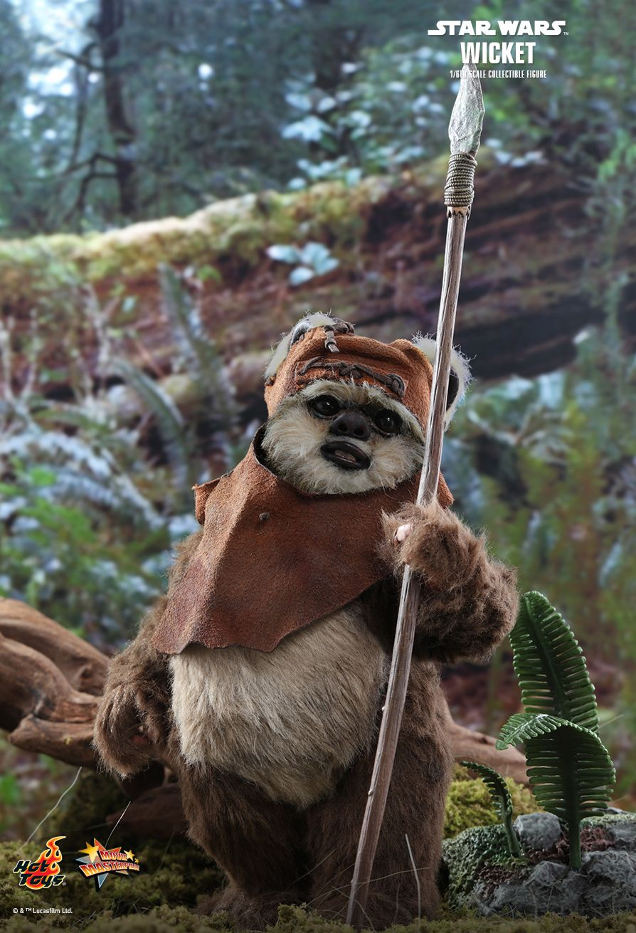 NEW PRODUCT: HOT TOYS: STAR WARS: RETURN OF THE JEDI WICKET 1/6TH SCALE COLLECTIBLE FIGURE 8217