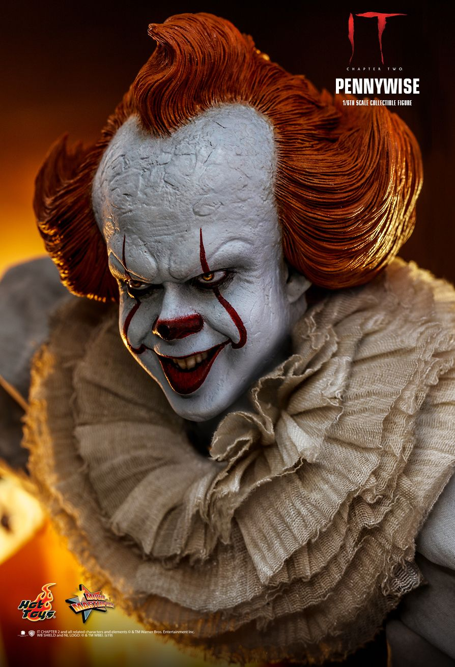 NEW PRODUCT: HOT TOYS: IT CHAPTER TWO PENNYWISE 1/6TH SCALE COLLECTIBLE FIGURE 8225