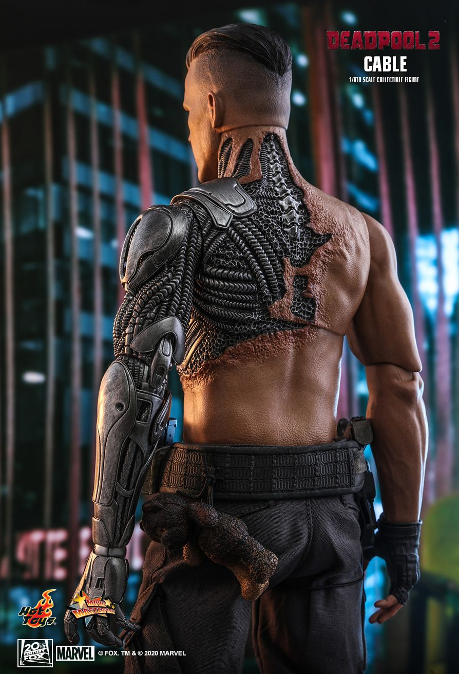 NEW PRODUCT: HOT TOYS: DEADPOOL 2 CABLE 1/6TH SCALE COLLECTIBLE FIGURE 8318