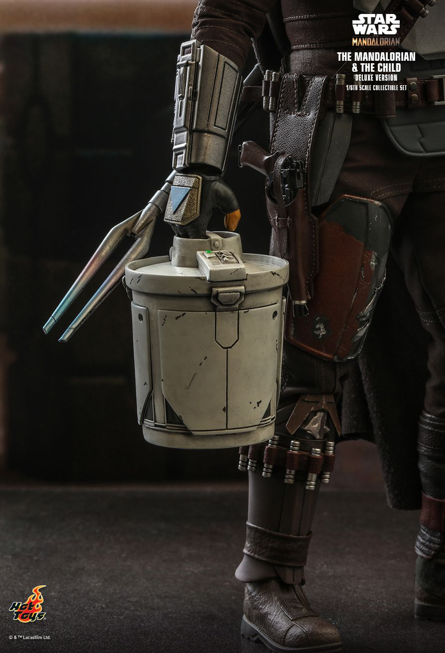 Sci-Fi - NEW PRODUCT: HOT TOYS: THE MANDALORIAN THE MANDALORIAN AND THE CHILD 1/6TH SCALE COLLECTIBLE SET (Standard and Deluxe) 8515e110