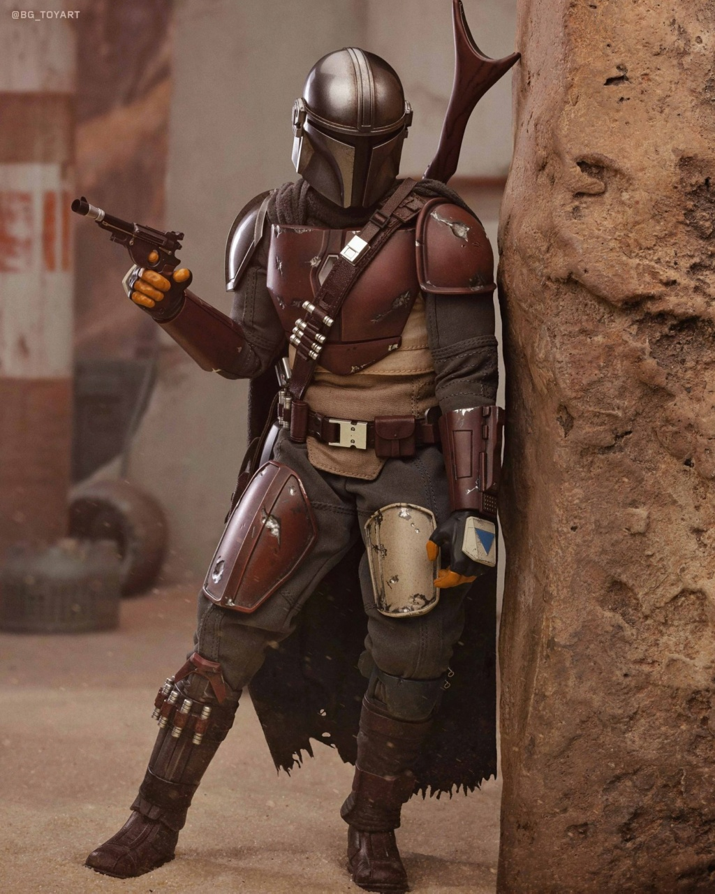 NEW PRODUCT: HOT TOYS: THE MANDALORIAN -- THE MANDALORIAN 1/6TH SCALE COLLECTIBLE FIGURE 9308