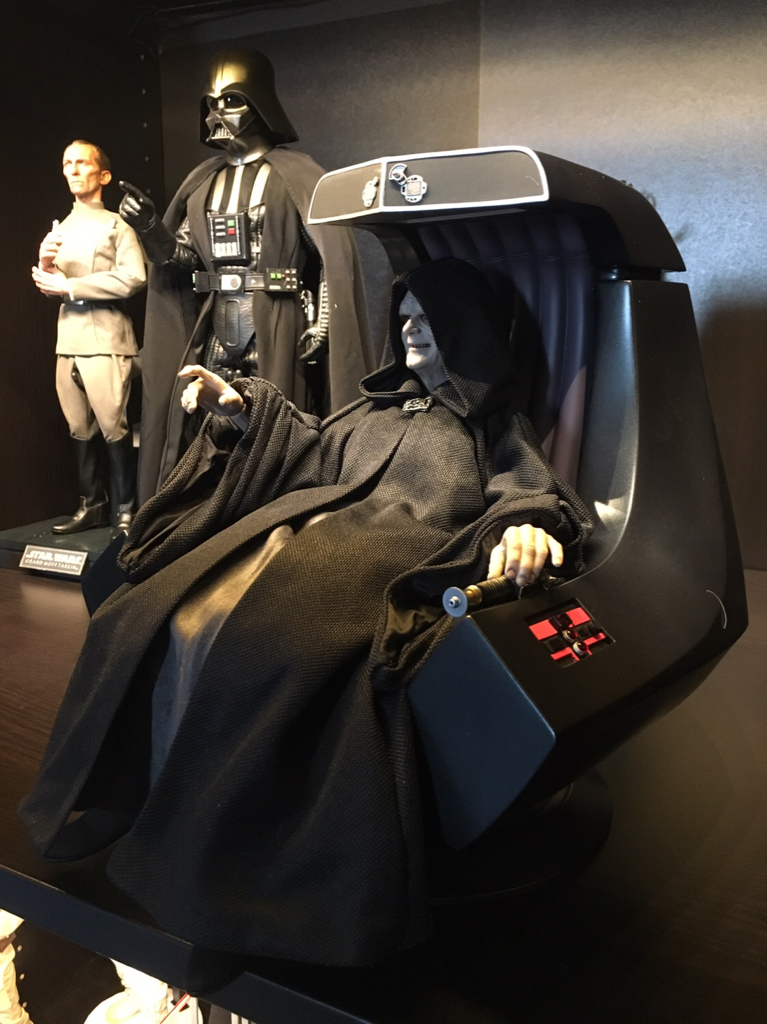 rotj - Hot Toys Star Wars Emperor Palpatine (Deluxe) Review - Page 2 93828e10