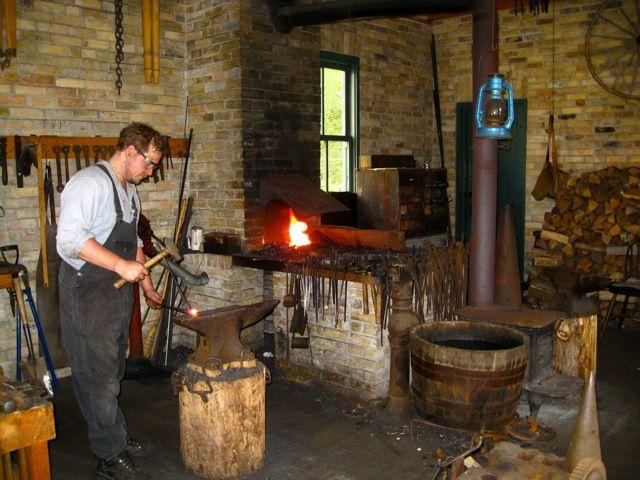 Scratchbuild - Blacksmith's workshop - Page 3 9dd18a10