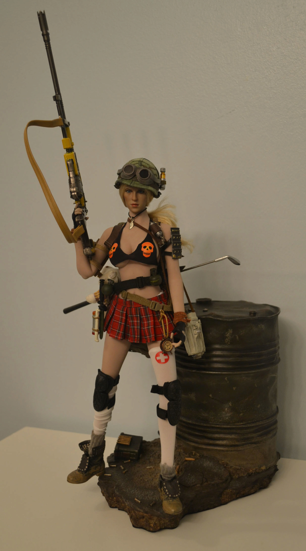Post -a - My First Attempt At a Post-Apocalyptic Female Character _dsc2833