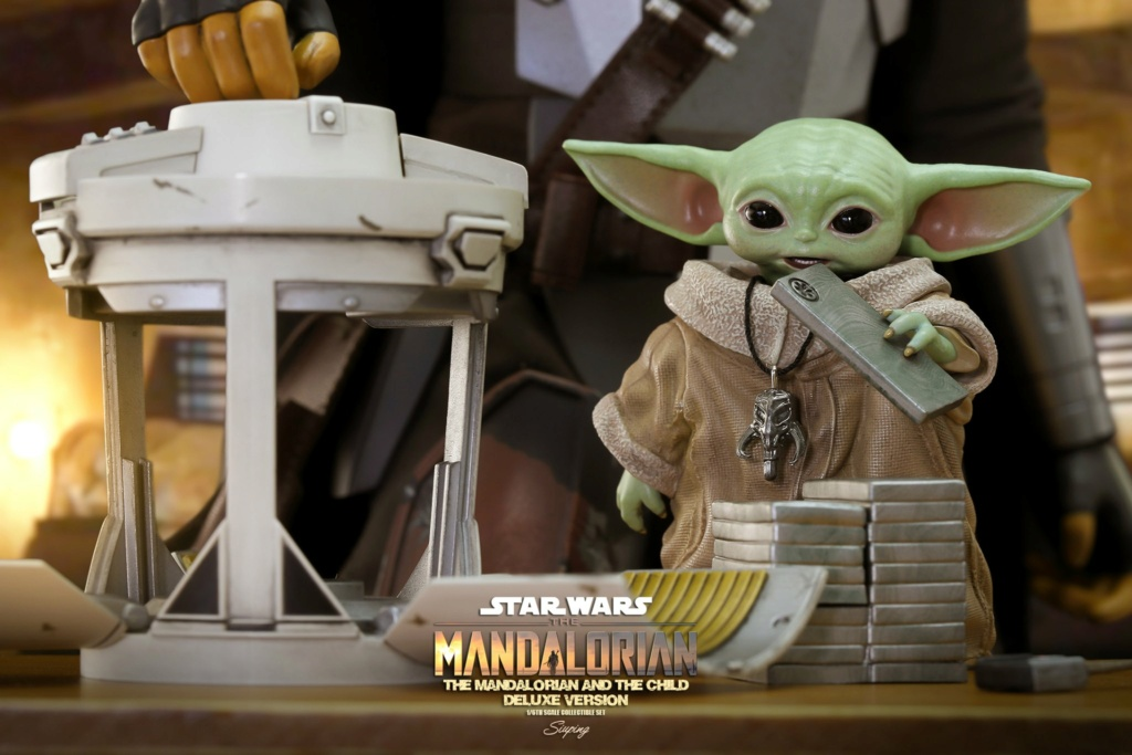 Sci-Fi - NEW PRODUCT: HOT TOYS: THE MANDALORIAN THE MANDALORIAN AND THE CHILD 1/6TH SCALE COLLECTIBLE SET (Standard and Deluxe) B6942310