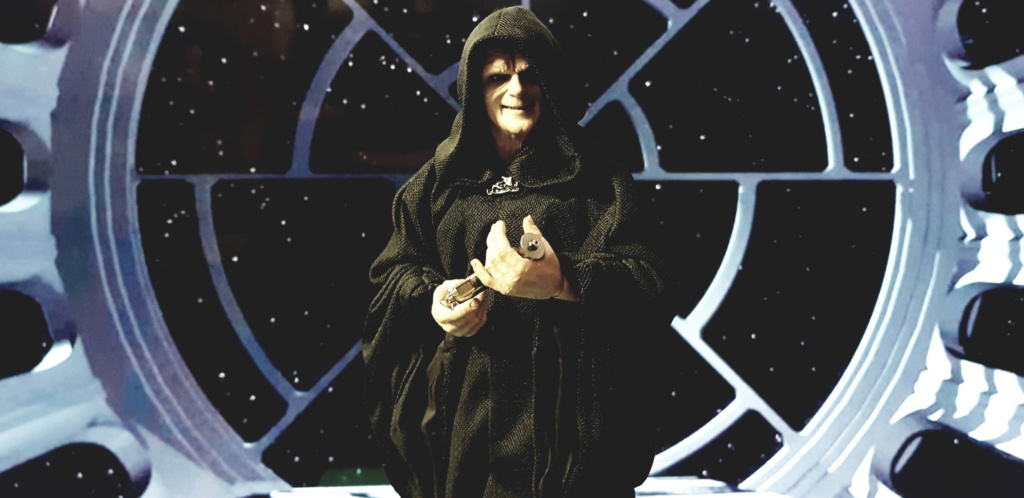 rotj - Hot Toys Star Wars Emperor Palpatine (Deluxe) Review - Page 2 Cxczii10