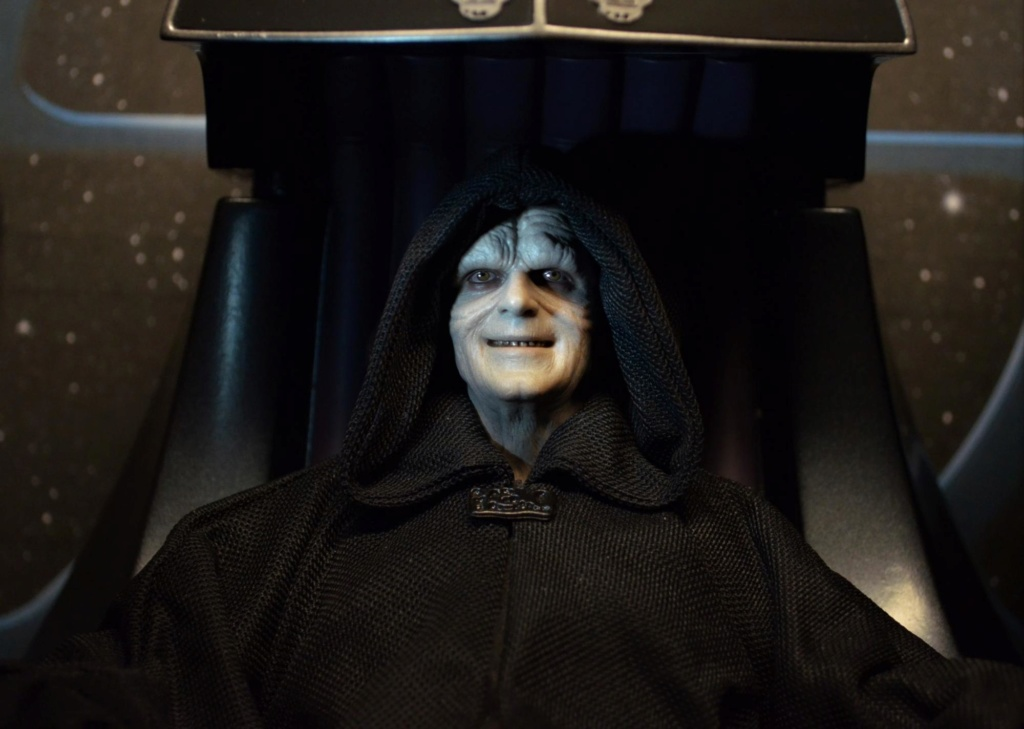 rotj - Hot Toys Star Wars Emperor Palpatine (Deluxe) Review - Page 2 Dsc_0110