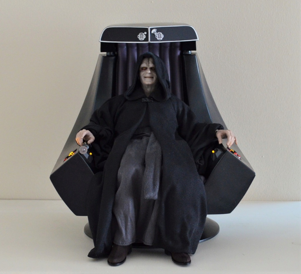 rotj - Hot Toys Star Wars Emperor Palpatine (Deluxe) Review - Page 2 Dsc_1711