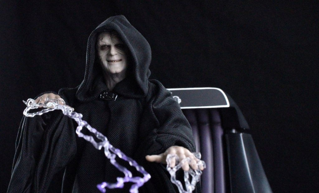 rotj - Hot Toys Star Wars Emperor Palpatine (Deluxe) Review - Page 2 Img_6413