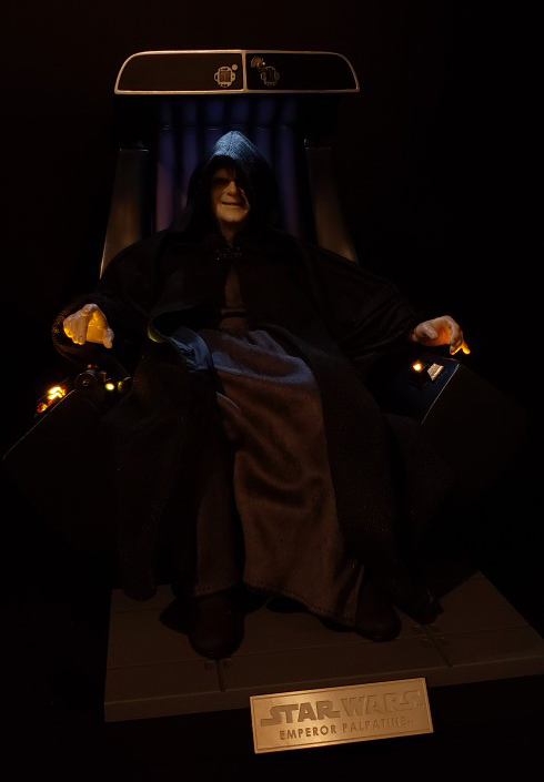 rotj - Hot Toys Star Wars Emperor Palpatine (Deluxe) Review - Page 2 Palmpa10