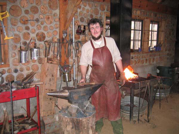 Scratchbuild - Blacksmith's workshop - Page 3 Proxy_30