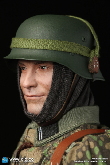 Dennis - NEW PRODUCT: DiD: 20th Waffen Grenadier Division Of The SS (1st Estonian) Radio Operator (Dennis - Version A) & (Matthias - Version B) Scree470