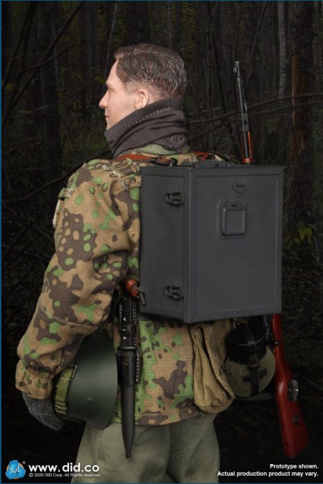 Dennis - NEW PRODUCT: DiD: 20th Waffen Grenadier Division Of The SS (1st Estonian) Radio Operator (Dennis - Version A) & (Matthias - Version B) Scree474