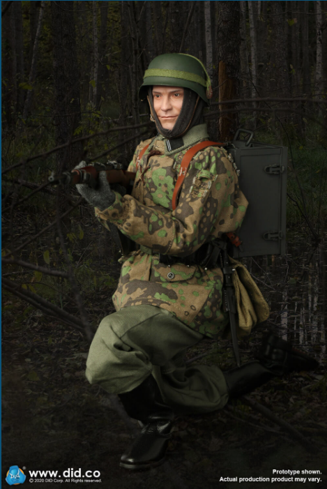 Dennis - NEW PRODUCT: DiD: 20th Waffen Grenadier Division Of The SS (1st Estonian) Radio Operator (Dennis - Version A) & (Matthias - Version B) Scree478