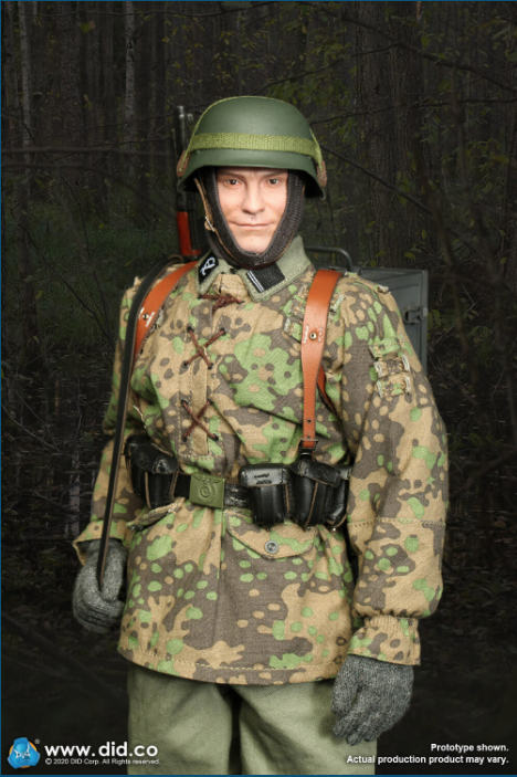 Dennis - NEW PRODUCT: DiD: 20th Waffen Grenadier Division Of The SS (1st Estonian) Radio Operator (Dennis - Version A) & (Matthias - Version B) Scree487