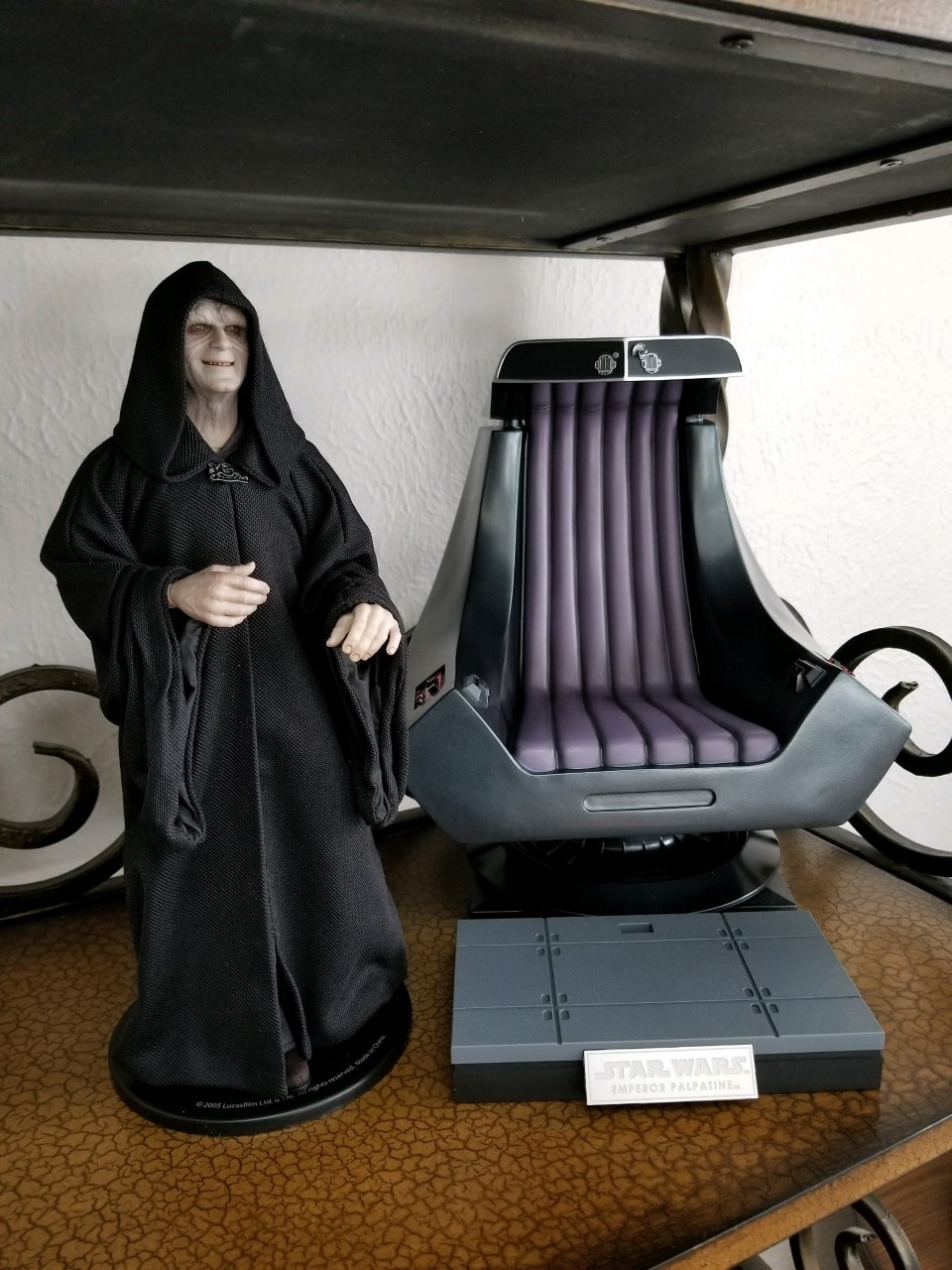 rotj - Hot Toys Star Wars Emperor Palpatine (Deluxe) Review - Page 2 Thumbn11