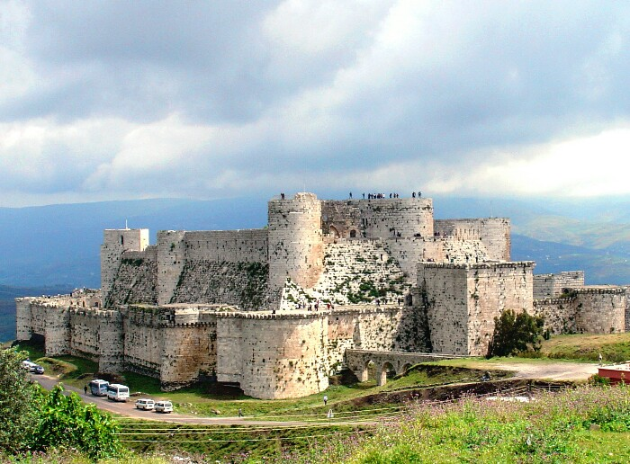 اشهر القلاع الاثرية في سوريا Aao-ay10