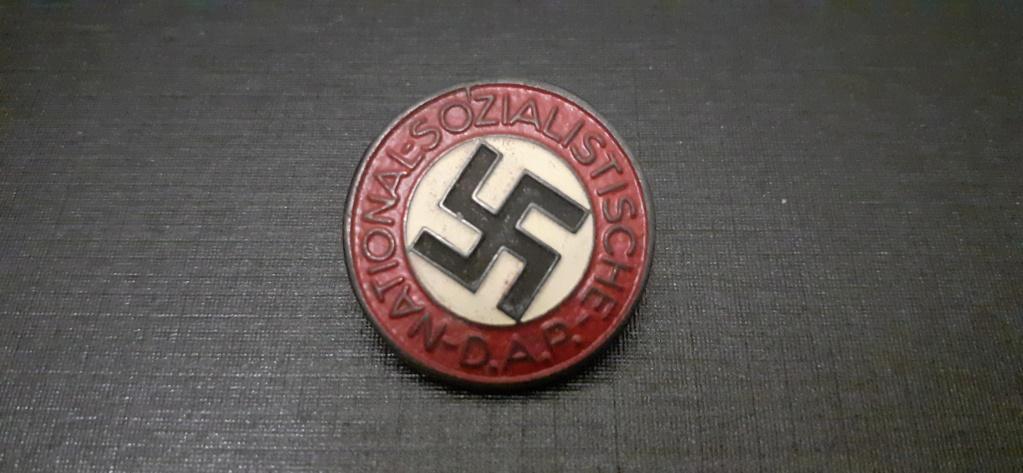 Insigne NSDAP  15833411