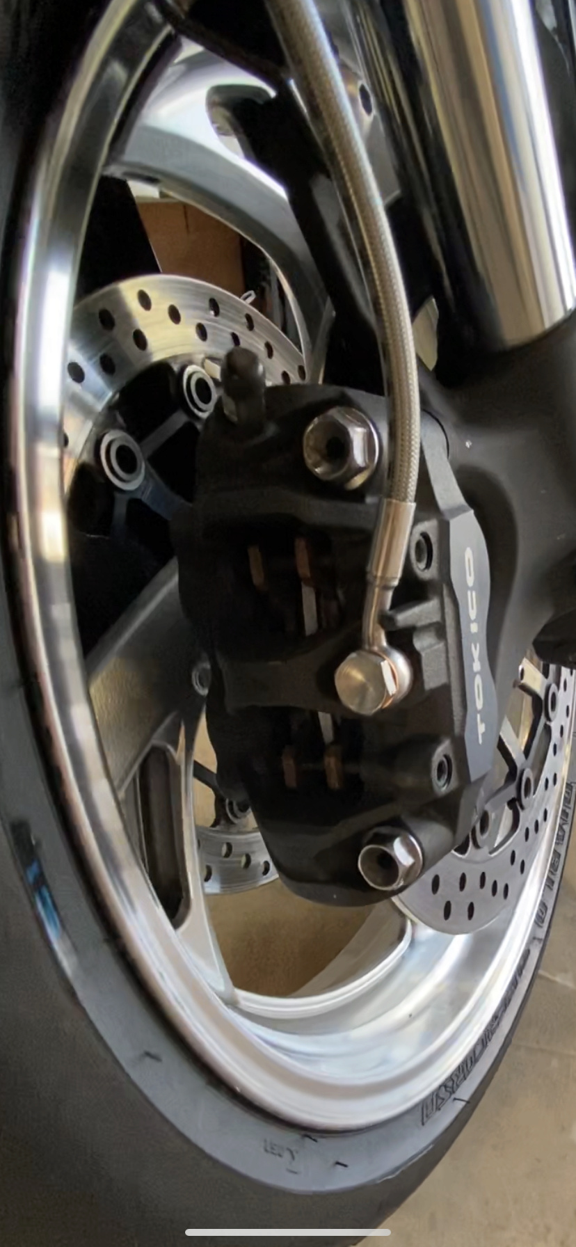 Bruit de claquement lors de freinage sur freins avant...?? Fichie10