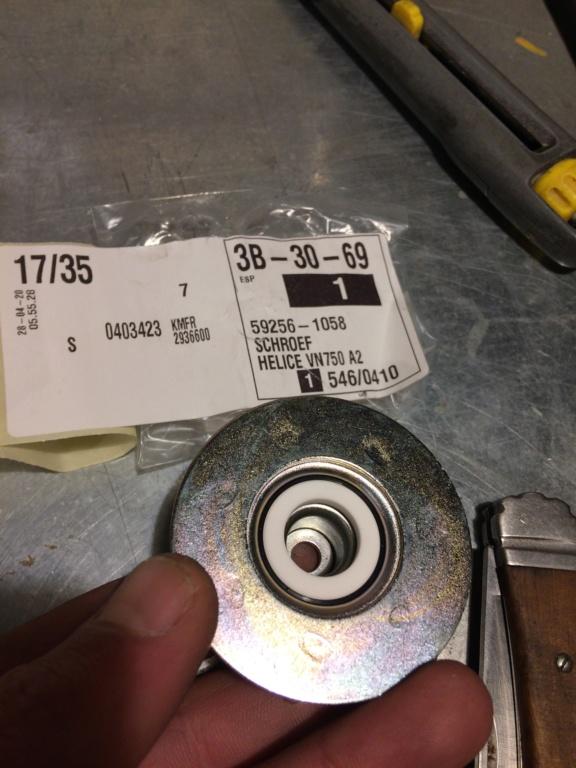 800 VN - Changement Joint torique de pompe à eau  682e8310