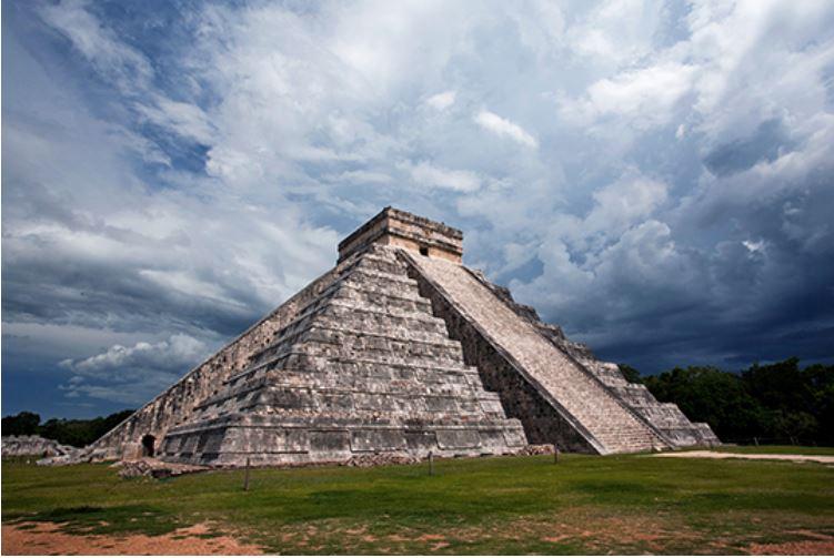 Un changement historique est à venir || Peter B. Meyer (Dernier réveil) Pyrami10