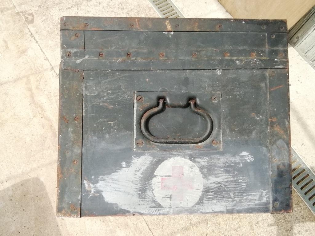 Caisse sanitaire, sanitatskasten  Img_2214
