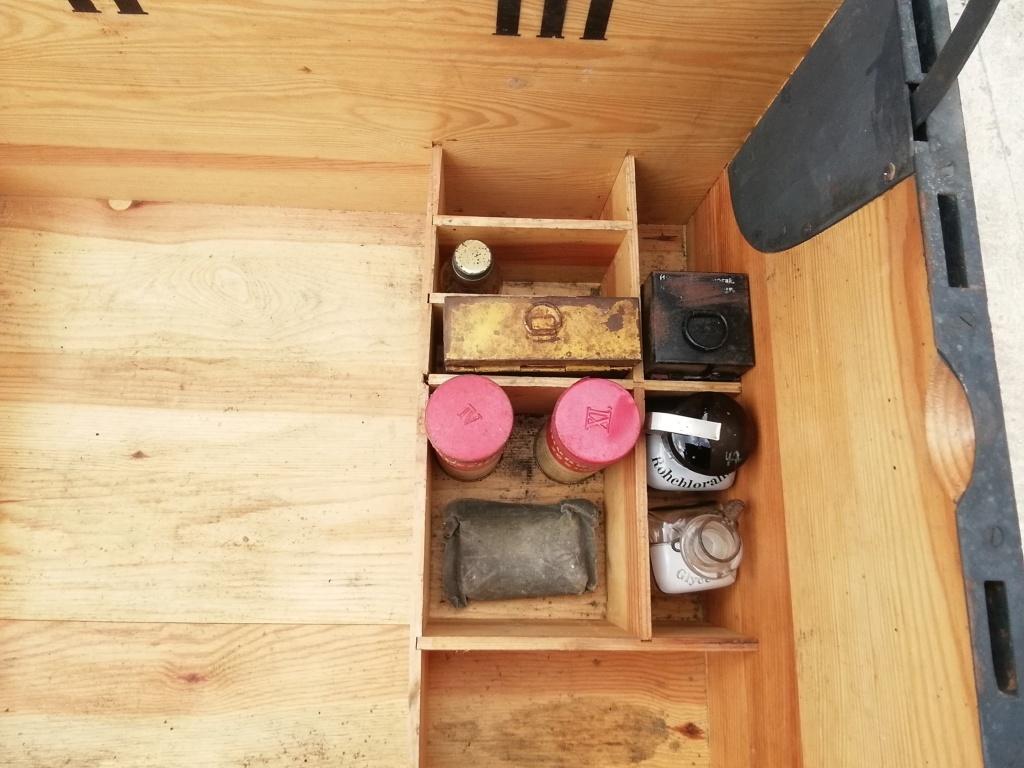 Caisse sanitaire, sanitatskasten  Img_2218