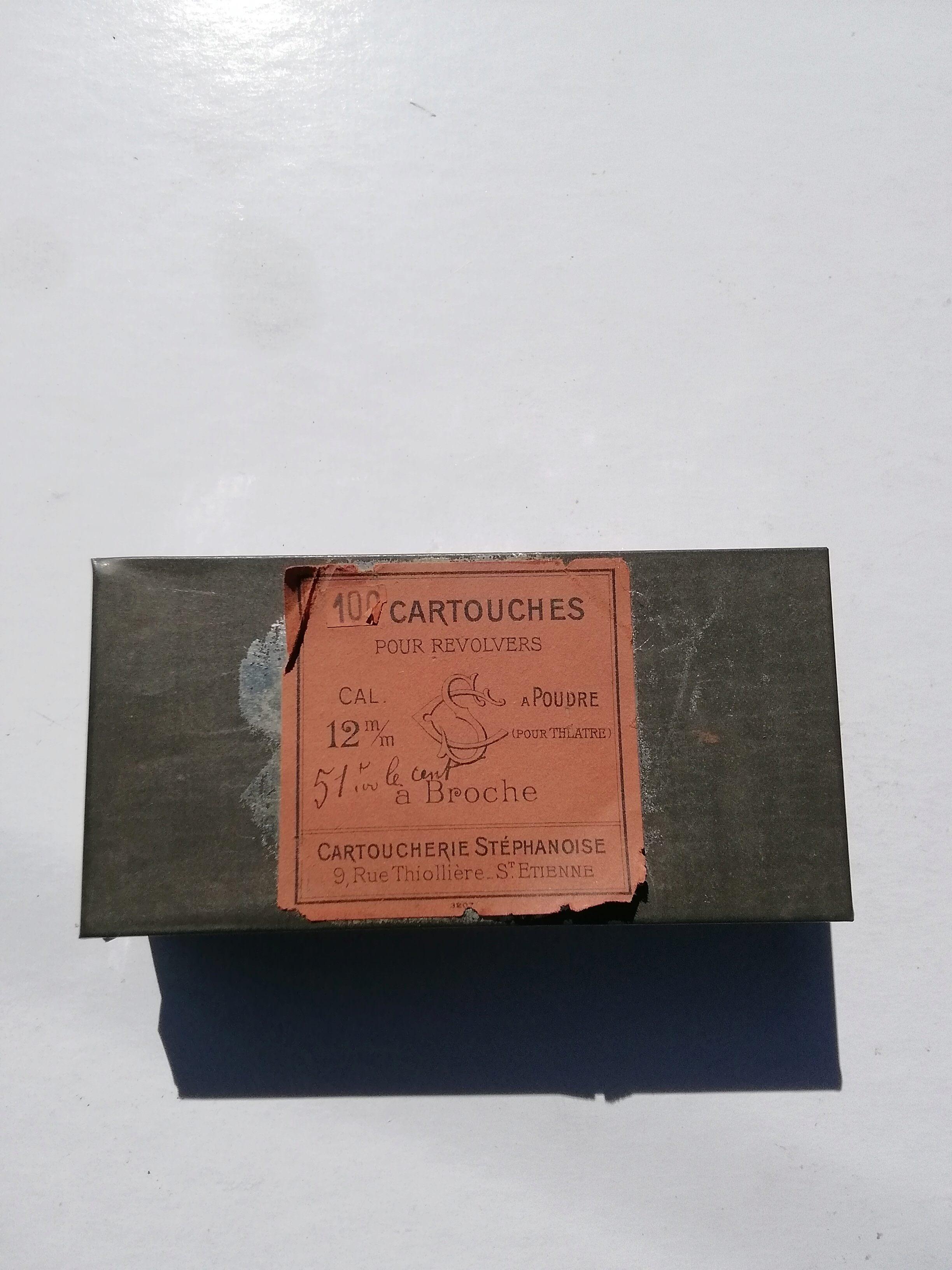 Cartouches 12mm à broche pour le théâtre  Img_2967