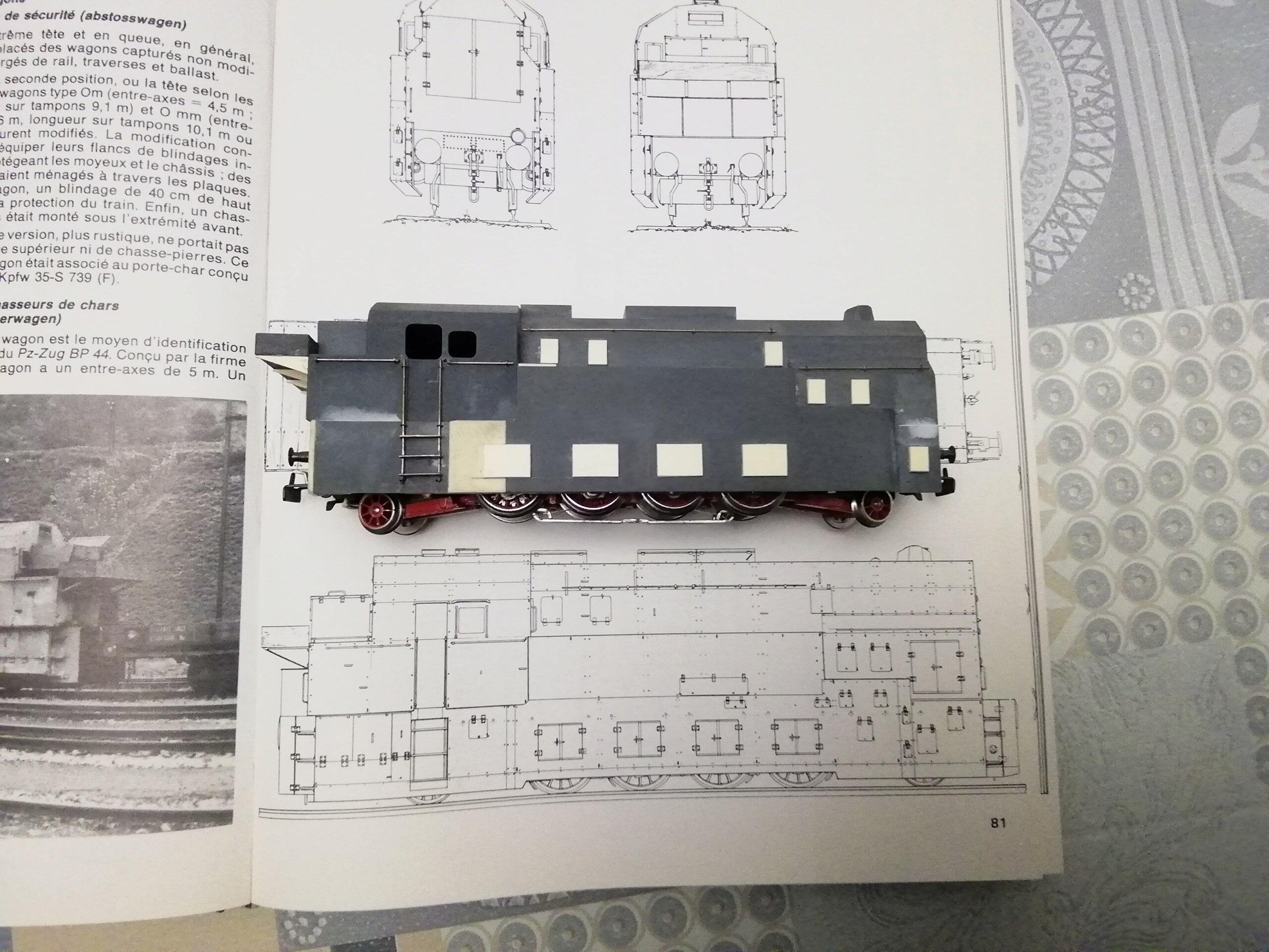 Panzerzug BP 32 en vrai et en scratch. Img_2987