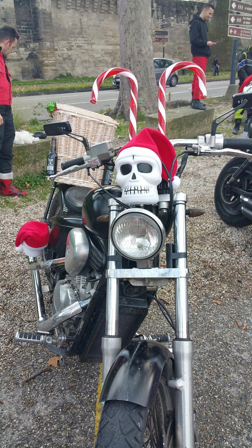 La PARADE des Père/Mère Noël motards Le_pea10