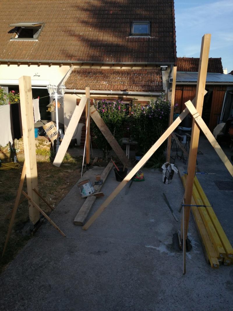 c'est parti pour la construction de la chambre pour la petite dernière Img_2010