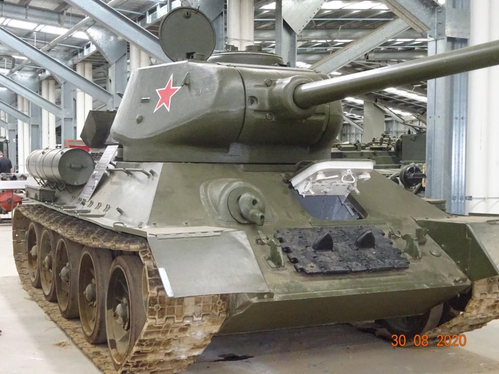 running ww2 tanks Dsc00721