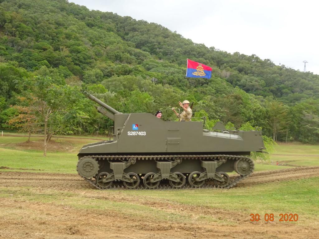 running ww2 tanks Dsc00723