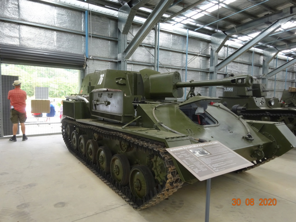 running ww2 tanks Dsc00733