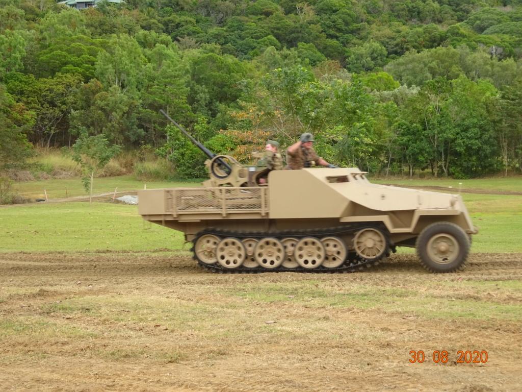 running ww2 tanks Dsc00736