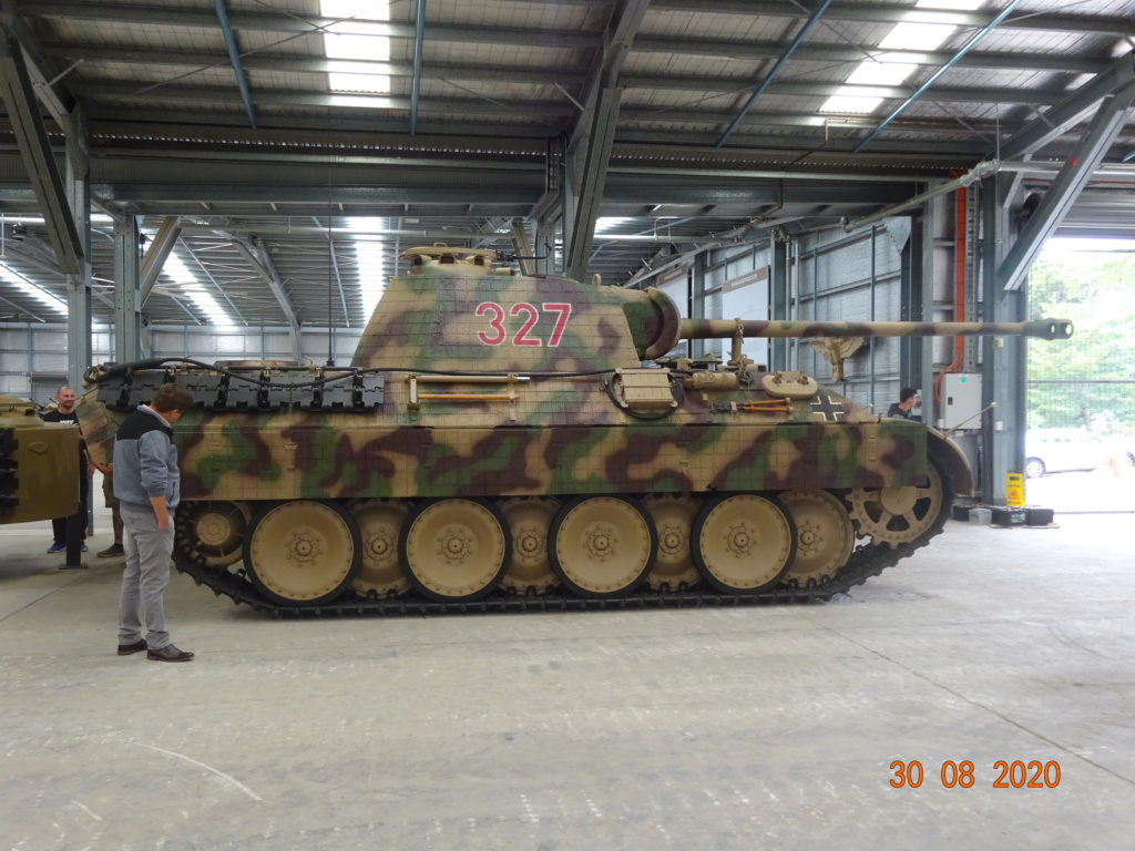 running ww2 tanks Dsc00811