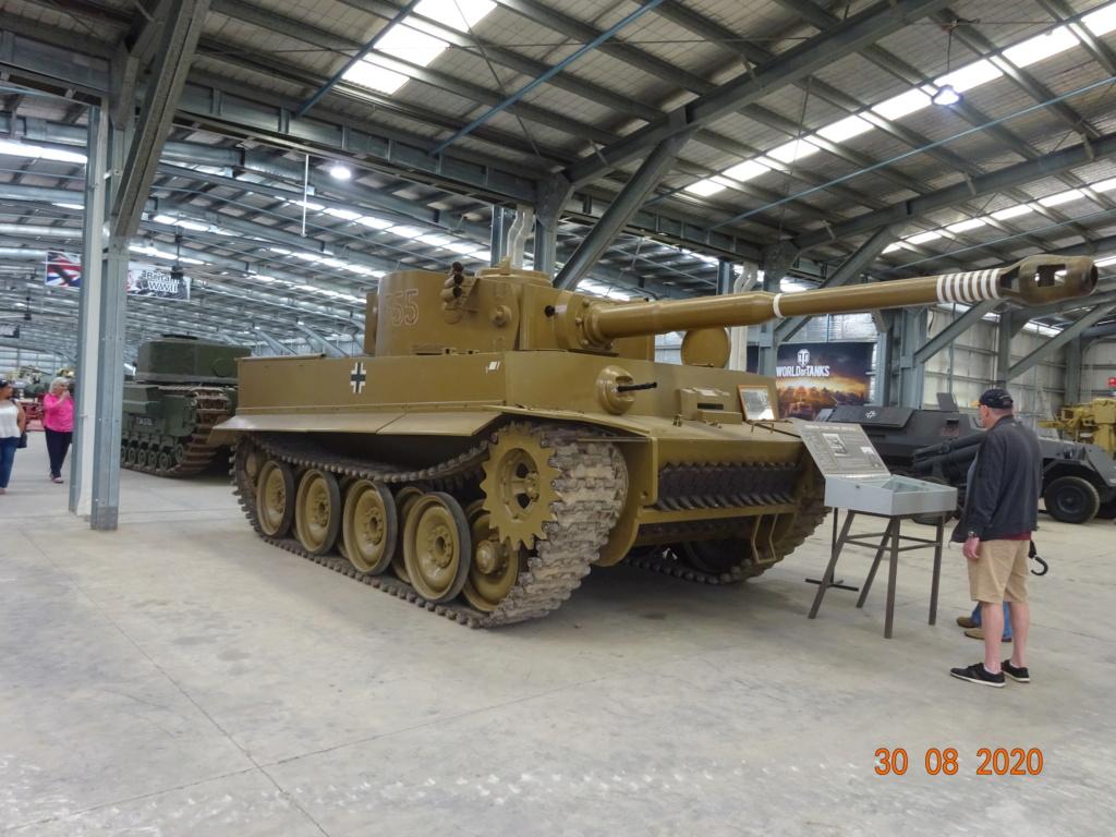 running ww2 tanks Dsc00813