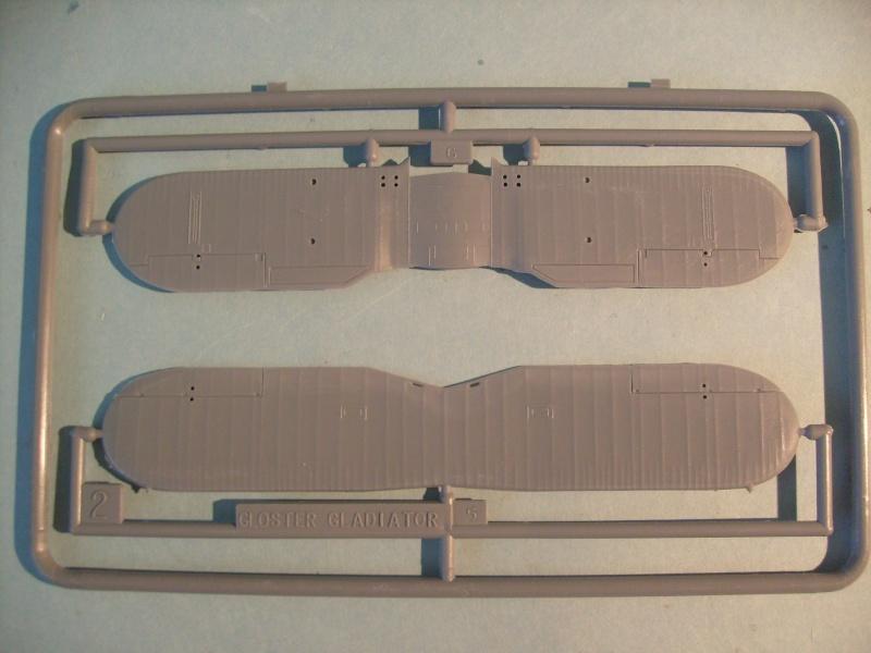 Comparatif GLOSTER GLADIATOR 1/72ème S7300727