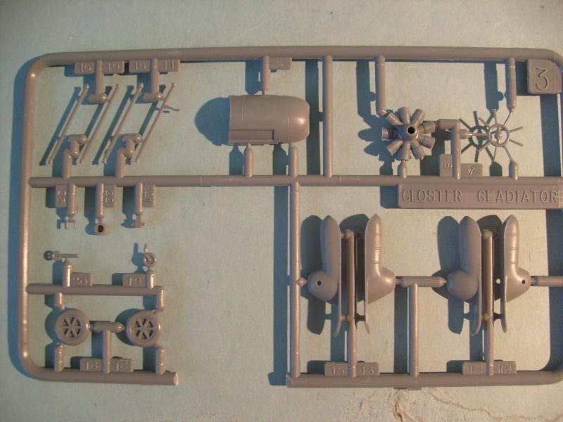 Comparatif GLOSTER GLADIATOR 1/72ème S7300729
