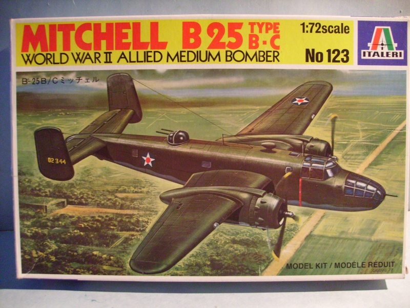 Comparatif NORTH AMERICAN B 25 MITCHELL 1/72ème S7300779