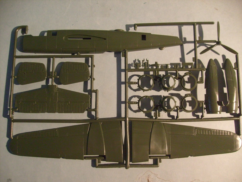 Comparatif NORTH AMERICAN B 25 MITCHELL 1/72ème S7300821