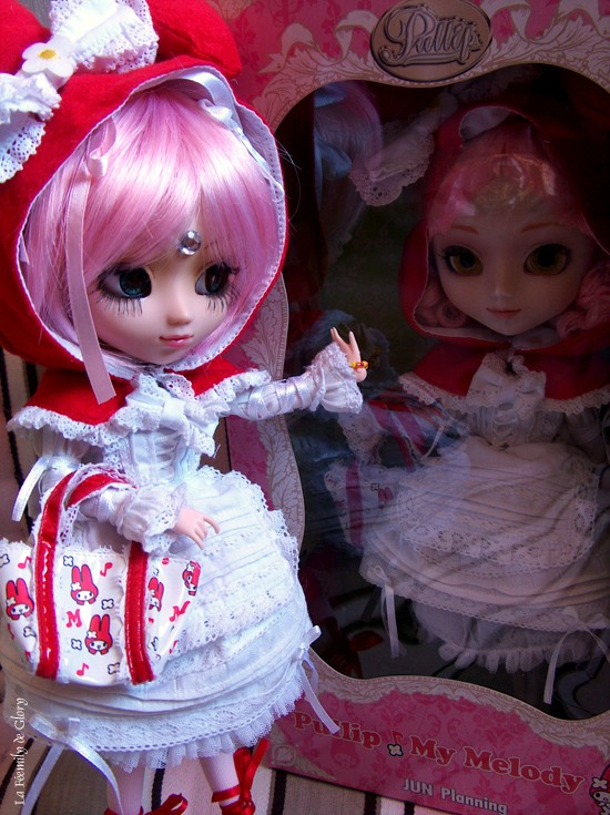 [Photos] Pullips avec outfit d'autres pullips - Page 9 Selena10