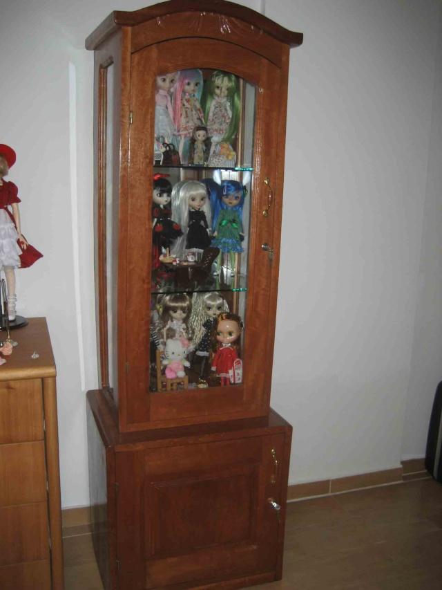 vitrine pour poupée /dressing Vitrin10