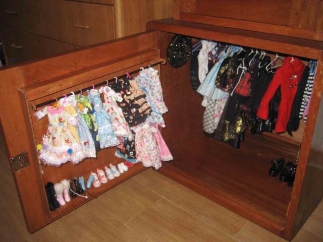 vitrine pour poupée /dressing Vitrin12