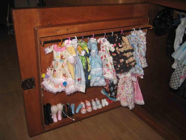 vitrine pour poupée /dressing Vitrin13