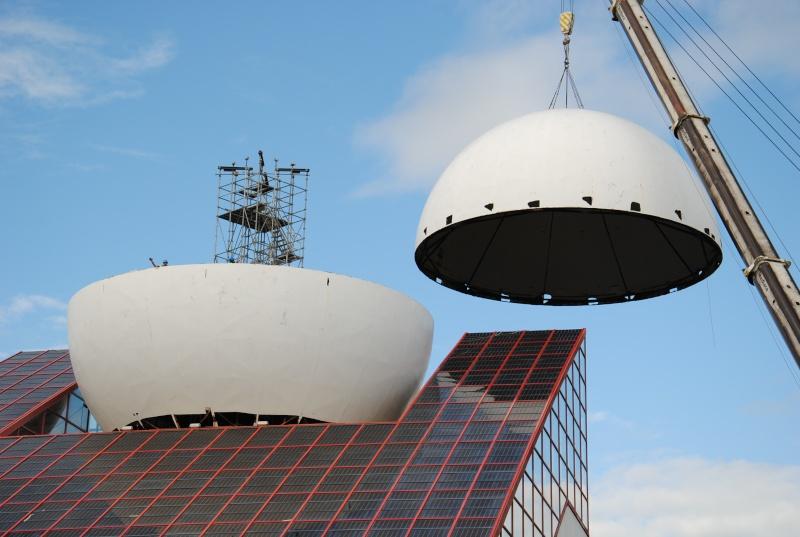 Boule du Futuroscope : démontage, reconstruction, scénographie (2012-2014) - Page 7 Dsc_0416