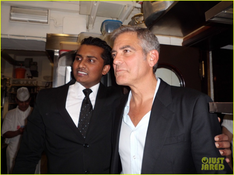 George Clooney and Stacy Keibler in Venice.....always on the boat.... - Page 2 Da_ivo14