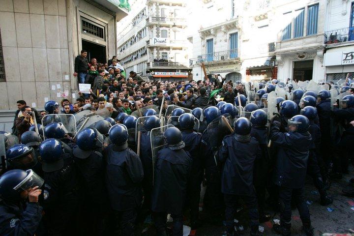 Photos de la marche réprimée du 22 janvier 2011  111