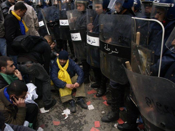 Photos de la marche réprimée du 22 janvier 2011  16449810